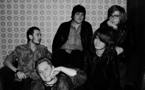 Up-coming band vender hjem