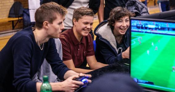 109-årig åbner gaming-oase