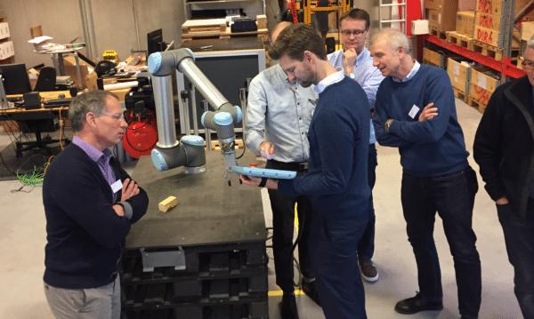 Erhvervsfolk fra Næstved og Slagelse besøgte fynsk robotmiljø