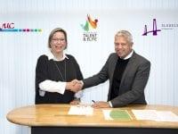 Rektor for VUC Hanne Michelsen og Borgmester John Dyrby Paulsen. Foto: Slagelse Kommune