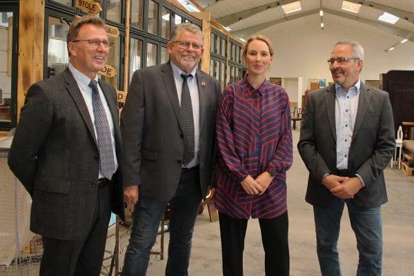 Minister ser på PlusByg, genbrug og tekstiler
