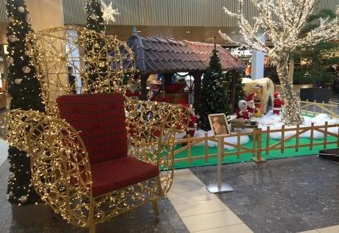 Julemandens stol står allerede nu klar på torvet i Vestsjællandscentret. Foto: mco