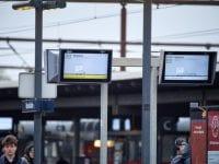 Afgangsskærmene på stationerne får nyt udseende til næste år. Inden da skal teknikken testes. Foto: Banedanmark